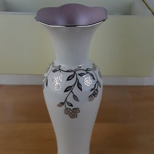 NIB Lenox Gift of Knowledge - Flowers of Hope Vase